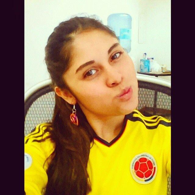Con toda la energía, arriba Colombia !!! Hoy ganaremos!! #Colombia #Seleccion #Futbol #Actitud #CopaAmerica #Heart #love #passion #photooftheday #celebration #memories #natural #nota #Hoy #Chile #Gol #makeup #Nice #nigth #party #friday