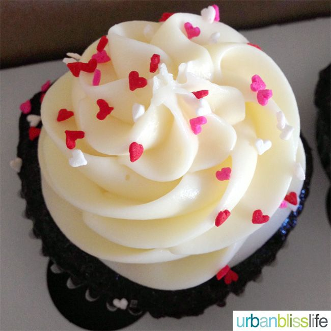 Valentineu0027s Day Cupcake U0026 Singing Telegram
