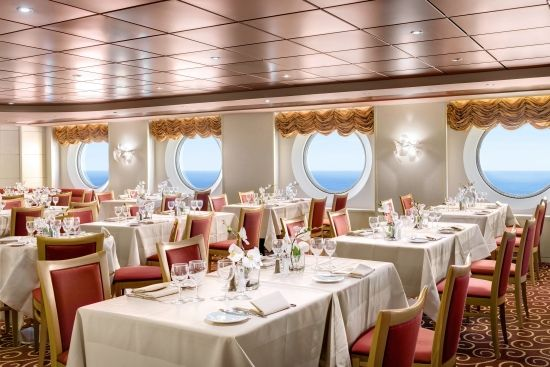 An MSC Armonia #cruise is a chance to indulge in fine #food, delicious #dinners and tasty, all-inclusive menus in our elegant #restaurants serving #Italian and international #cuisine. #finefood #oceandining #luxuryatsea