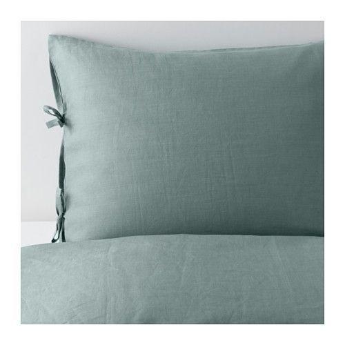 IKEA - PUDERVIVA, Housse de couette et taie, 150x200/65x65 cm, , Les fibres naturelles du lin créent de subtiles variations sur la surface du tissu, ce qui offre au linge de lit une brillance et une texture caractéristiques.Le lin aide à conserver une température corporelle confortable et constante toute la nuit car c'est un matériau qui respire et absorbe l'humidité corporelle.Le lin est un matériau solide et résistant qui supporte bien les lavages et offre une protec...