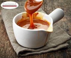 La Salsa Mou è una crema molto utilizzata in pasticceria per farcire dolcetti o biscotti, per guarnire gelati o budini…. Nelle precedenti ricette l'ho utilizzata per create i miei twix fatti in casa, e vi assicuro che ha dato quel tocco in più che ha reso al ricetta buonissima! Questa salsa prevede solo due ingredienti, …