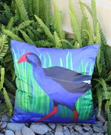 Pukeko cushion cover    Size 45cm x 45cm    This auction is for the cushion cover only    PICK UP PAPATOETOE OR OREWA      Have a look at my other listings as I...