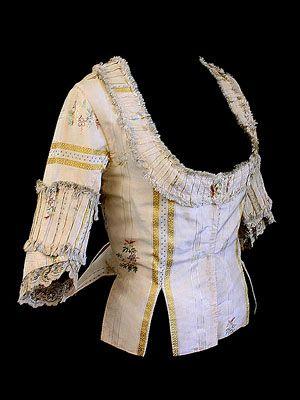 French caraco-style silk damask jacket, c.1770 (from vintagetextile.com)