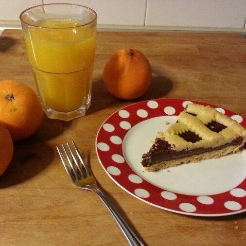 Crostata alla nutella e spremuta d'arancia ♡