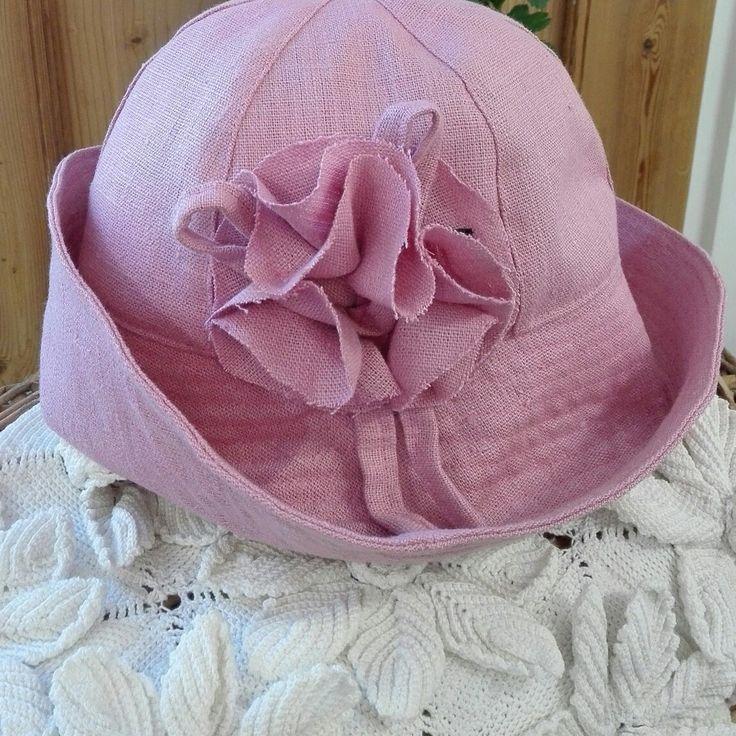 Helmilija-model. Linen hat. Hand made in Finland. www.personaldesignhat.fi #designfromfinland #summer #avainlippu