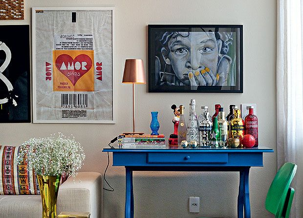 cool home bar + paintings #decor