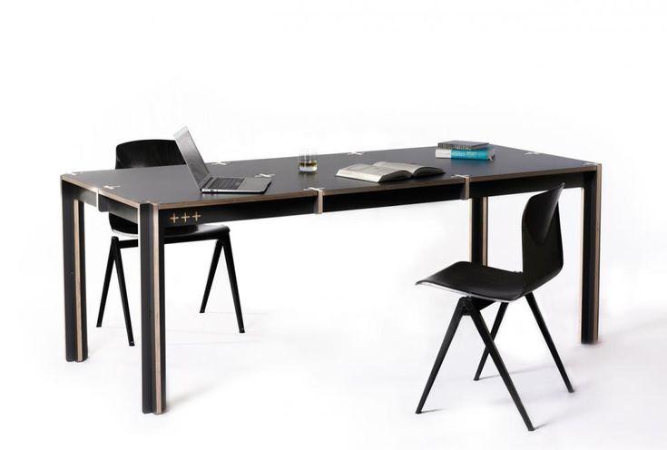Uit één plaat hout, zonder te schroeven of lijmen. Eén tafel uit één plaat hout. Voor de +tafel verwerkten de ontwerpers van Fraaiheid één standaard multiplex plaat in zijn geheel tot één bijzondere tafel. Sterker nog: de +tafel wordt zonder toevoeging van enig ander materiaal of hulpmiddel in elkaar gezet.