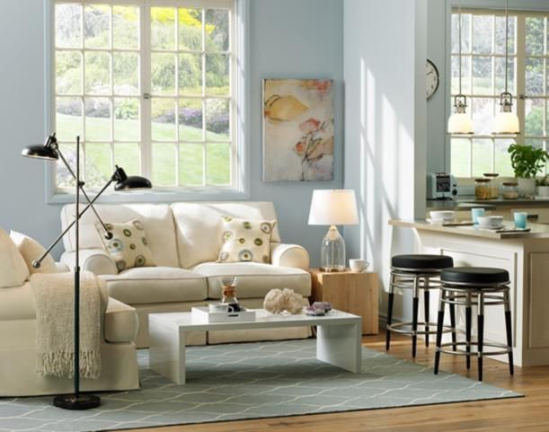Coastal chic living room decor - perfect for summer! #glo #lampsplus #makesummerbright