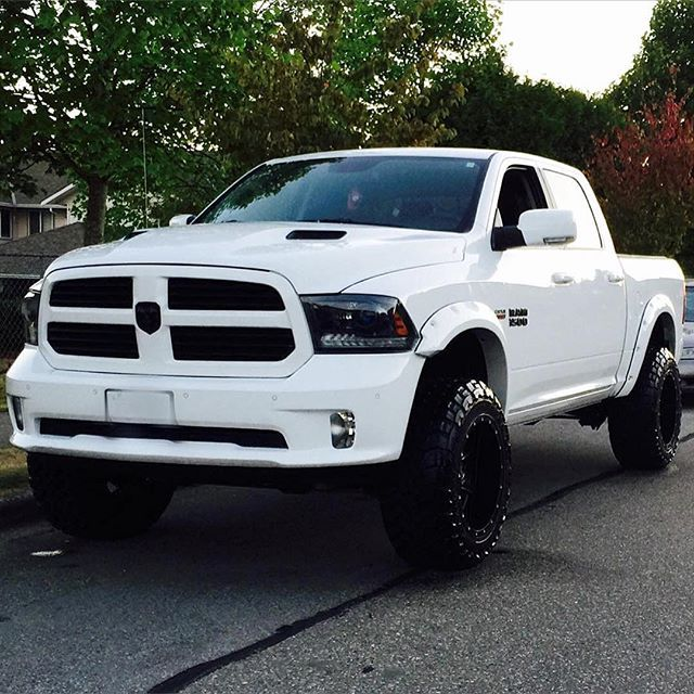 2015 ram 1500 sport with 6 inch rcx lift , 20x12 fuel mavericks on 35 inch toyos @arvindkang