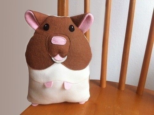 Stuffed Toy Hamster  •  Free tutorial with pictures on how to make a hamster plushie in under 120 minutes