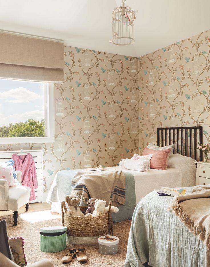 Dormitorio infantil. Una casa de estilo inglés en las afueras de Madrid