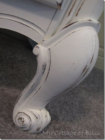 How To Paint Furniture - thorough tutorial explains everything you need to know about painting furniture. This is a great post for the beginner.