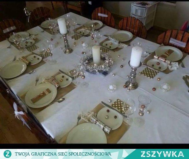 Zobacz zdjęcie świąteczne nakrycie stołu w pełnej rozdzielczości