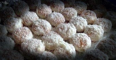 gefüllte Eierplätzchen mit Kokos-Mandarinen-Creme