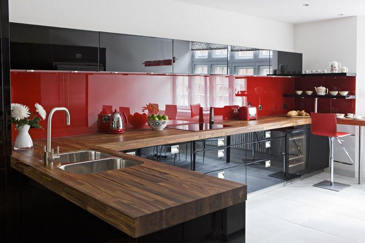 Black & red high gloss lacquer cupboards   Red kitchens ...
