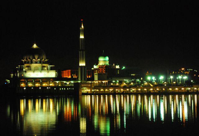 Hikmah dan Keutamaan Malam Lailatul Qadar dalam Al-Quran dan Hadis yang wajib Anda Ketahui