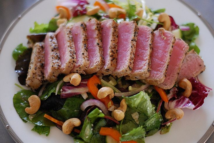seared tuna and herb salad with spicy toasted sesame vinaigrette | Lipstick and Leopard Print