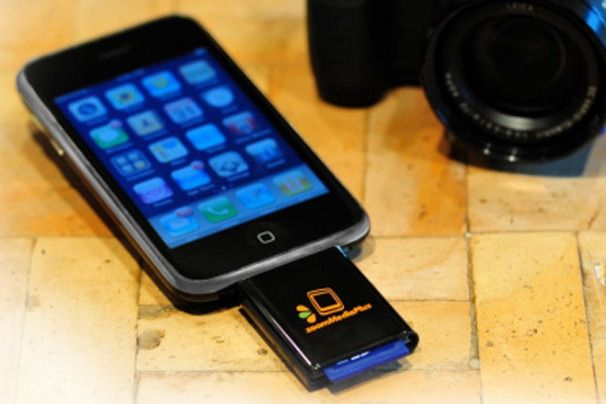 ZoomIt SD Card Reader     Phone types: iPhone and iPod Touch    15 Must-Have iPhone Camera Accessories | PCWorld http://www.pcworld.com/article/240423/15_musthave_iphone_camera_accessories.html#