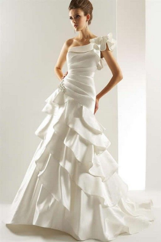 9 best wedding dresses images on Pinterest | Short wedding gowns ...