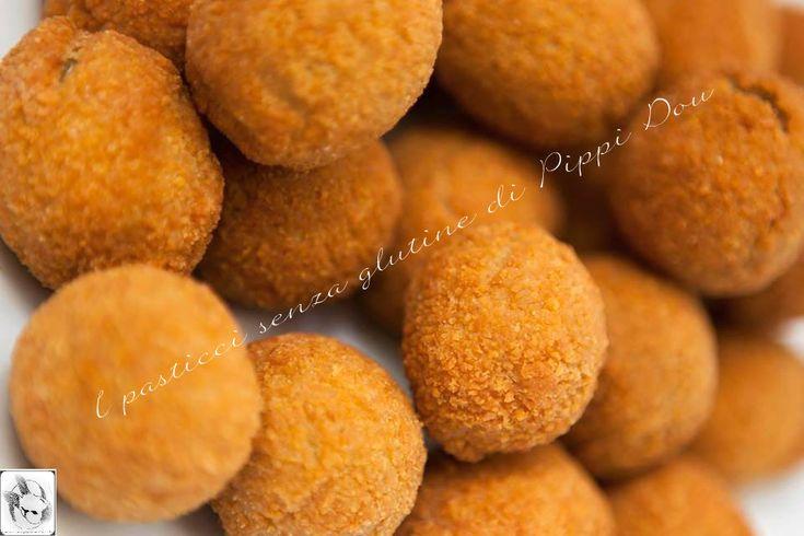 Facebook Twitter Google + Pinterest Olive Ascolane Senza Glutine 1 barattolo bello grosso di Olive di Sicilia in salamoia 300 gr di polpa di manzo tagliata a tocchetti 100 gr di polpa di maiale tagliata a tocchetti 50 gr di petto di pollo tagliato a tocchetti 1 carota 1 cipolla piccola 1 gambo di sedano …