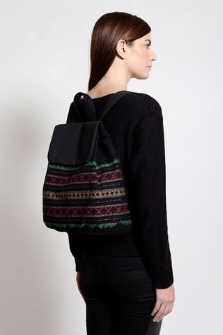 This cute combination of colors makes this handmade backpack the perfect accessory for our getaways!
