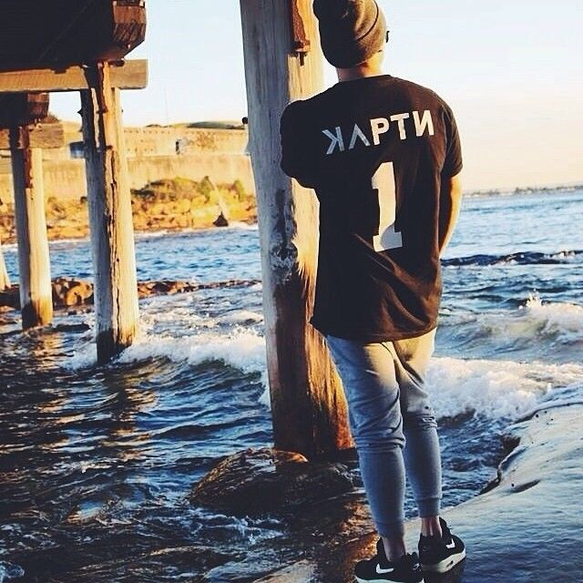 Shout out to @justinn_ repping the brand.  Sick shot. #kaptnbrand #only1 #leader #leadtheway #customer #represent #kaptn #fashion #outfit #ootd #mensfashion #streetwear