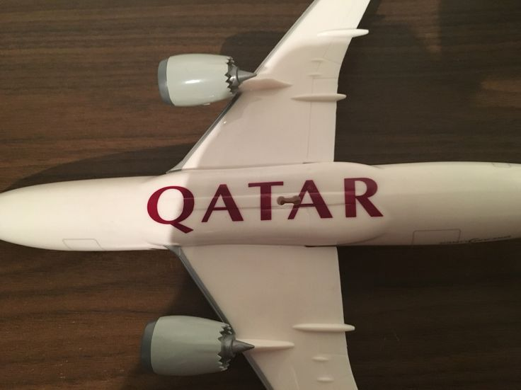 A Boeing 787-800 Dreamliner plastic model 1,200 scale,From the make ppc,Reg No A7-BCB,Measurements Length - 28CM Width 30.5cm.