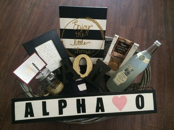 Glam Big Little Week Basket #alphaomicronpi #aoii #aopi #sorority #biglittle #calpoly