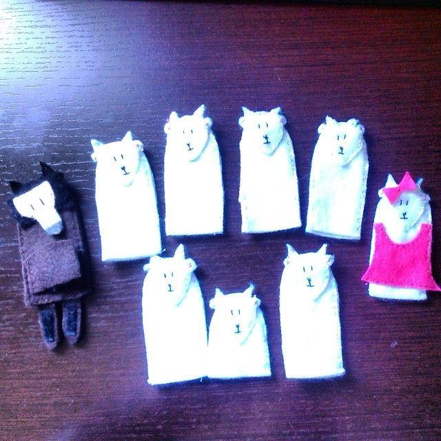 Titelles de dit: Les set cabretes i el llop