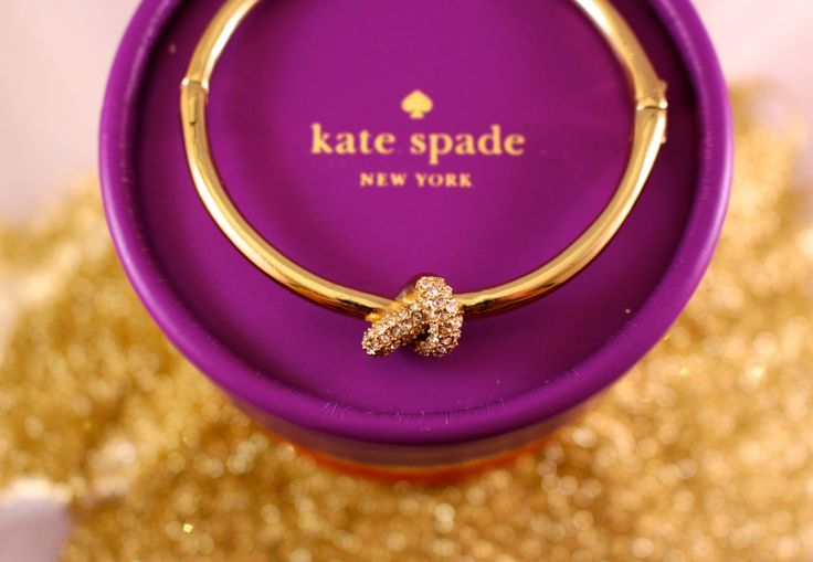 How to ask your Maid of Honour! Kate Spade Sailor's Knot Bangle - Bridal Party - Tips to choose your Bridal Party - MyRoaringTwenties.com