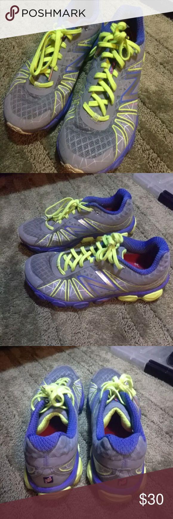New Balance 890 v4 running shoes size 9 EUC still great for running New Balance Shoes Athletic Shoes