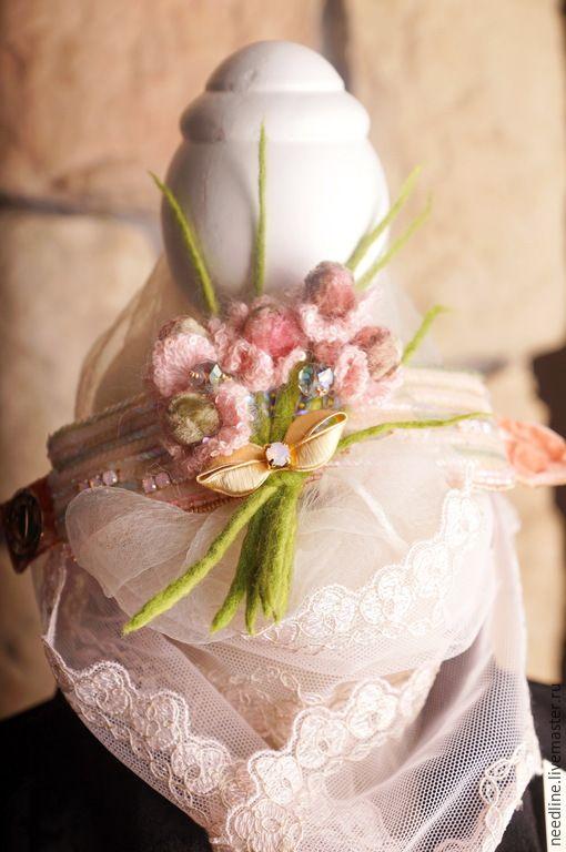 """Купить браслет """" Букет нежных воспоминаний...."""" - бледно-розовый, вышитый браслет"""