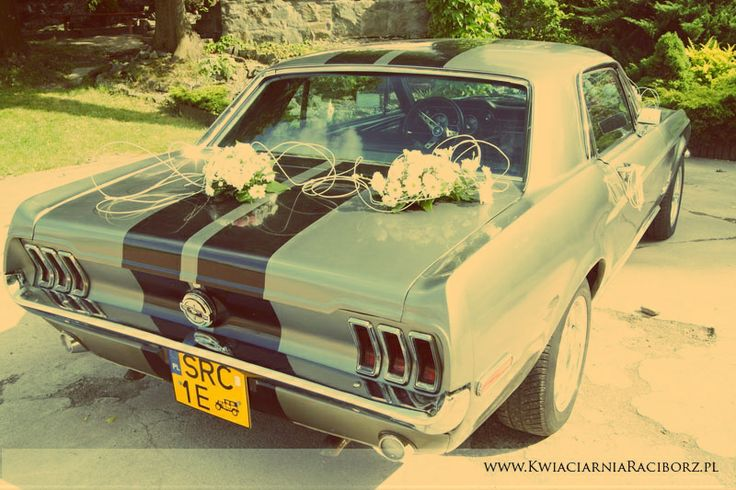 mustang and weddings - perfect combination