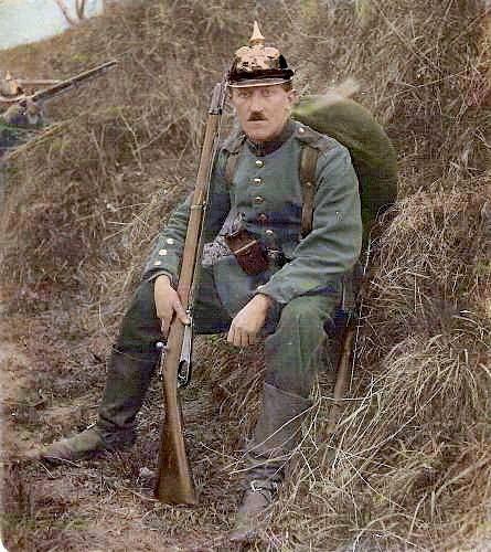 Soldat allemand pendant les premiers stades de la 1ère guerre mondiale.
