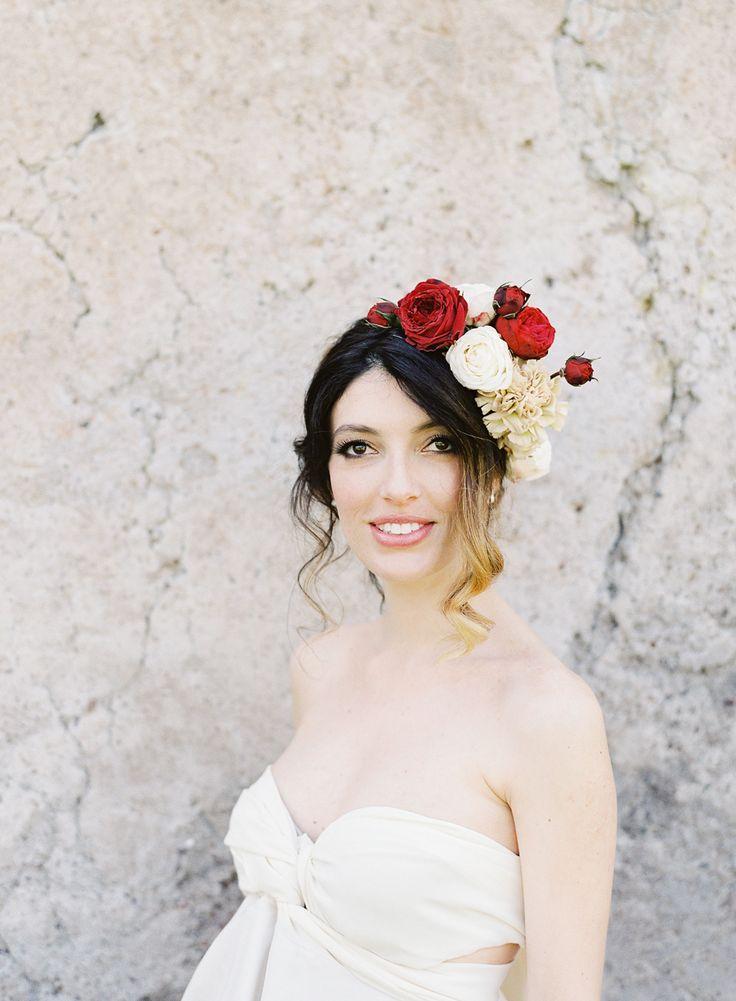 Styling & Planning: The Wedding Care - Photography: O'Malley Photographers -  - Flowers Nina e i Fiori - Wedding Dress Santarella  MUA Muccino Amatulli  http://www.stylemepretty.com/portfolio/omalley-photographers   Read More on SMP: http://www.stylemepretty.com/destination-weddings/2015/08/13/elegant-vow-renewal-in-the-heart-of-rome/