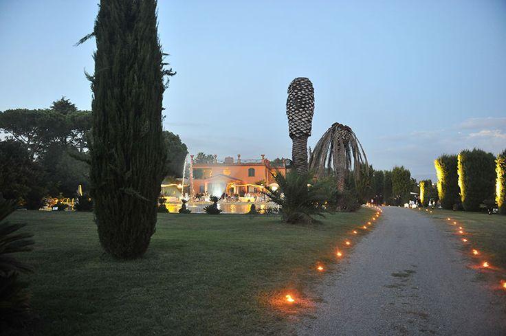 Viale d'entrata - Villa Dino