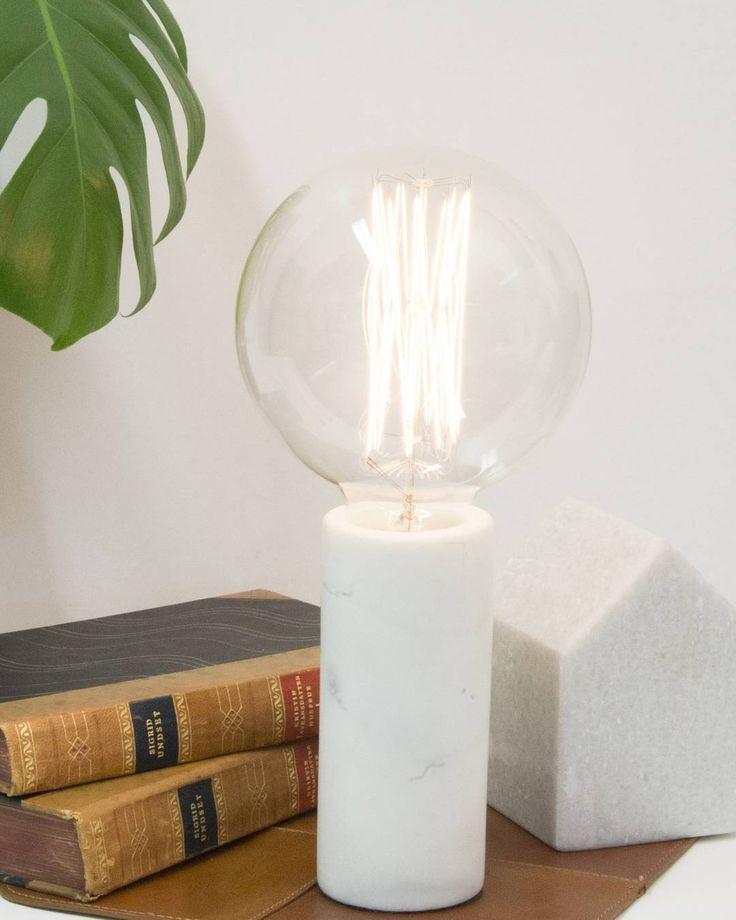 Vi har 20% på denne nydelige Marble bordlampen fra @globenlighting #lightupno #belysning #globenligting #marble #bright #light #raw #interior #creativity #lamps #home #living #lifestyle #design #interior123 #nordiskehjem #nordiskdesign #interiørmagasinet #interiorinspirasjon #interior4all