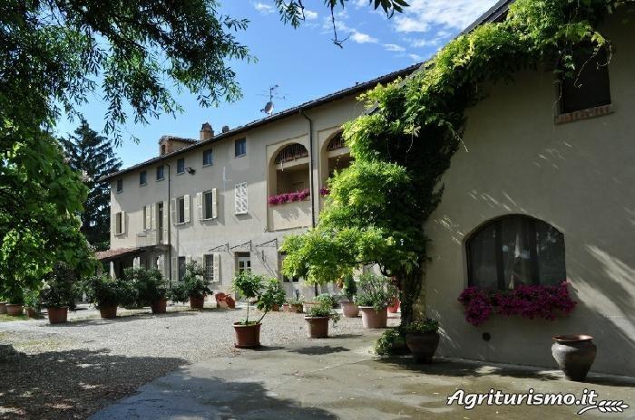 Agriturismo La Quercia Rossa Moncalvo - (Asti) - Piedmont