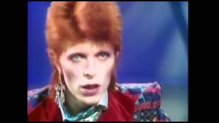 (1973) David Bowie Interview with Russell Harty, via YouTube.