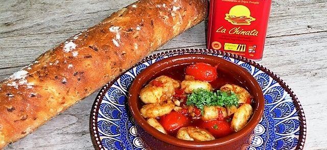 Gamba's Pil Pil (al Ajillo) Con Tomate recept | Smulweb.nl