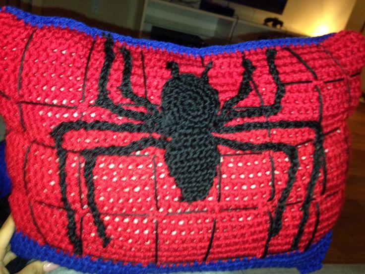 Crochet spiderman pillow for my son Crochet/ knitting ...