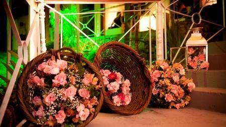 decoração rustica para casamento simples com flores do campo