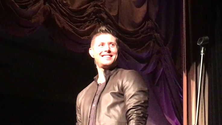 "Jensen Ackles singing ""Whipping Post"" at NashCon 2016! The confidence he has now when singing vs. when SPN started is amazing!"