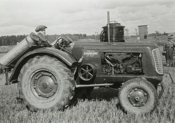 #Standard70 #traktori #tractor  Hankkijan arkisto