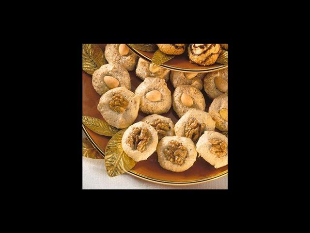 Recept na bezlepkové ořechové cukroví.