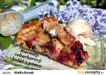 rebarborový koláč ze špaldové mouky