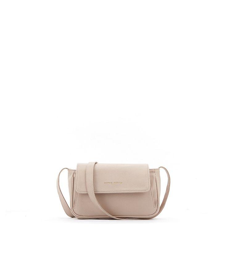 Wow! Look at this fabulous product! I've found at SophieParis.  http://www.sophieparis.com/id/index.php/women/bag/catherine-bag.html #SophieParis