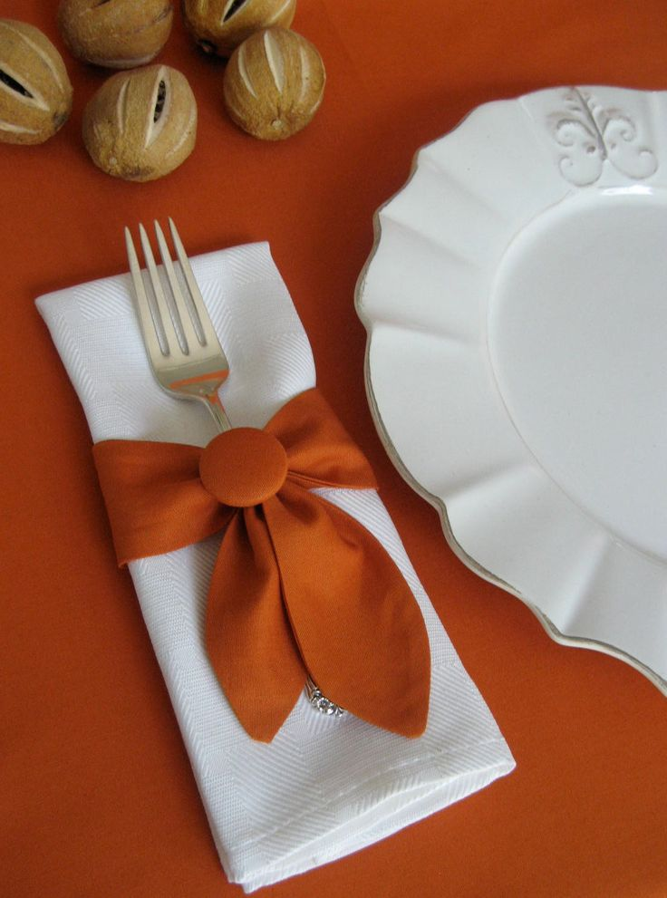 Colorful way to jazz up your Fall Table... Napkin Ring Swags Set of 4 in Pumpkin.