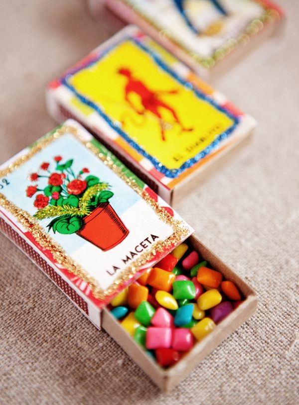 Cute little gift boxes made from match boxes.