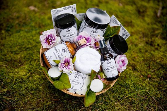 """This 11"""" deluxe lavender, chamomile, or coffee bean scented gift basket  is filled with sensational products! This organic gift basket is a  wonderful way to pamper that special someone like mom, wife, girlfriend,  new mother, a friend, or sister. Whether it's the enjoyment of a long  bath, bonding with friends, or simply relaxing with a good book, this is  the perfect gift. Every item in this gift basket is handmade with love.#giftideas #ad #christmasgiftsformom #christmasgiftsforfriends"""